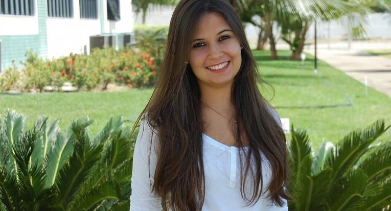 Karla Lessa é estudante do oitavo período de Enfermagem