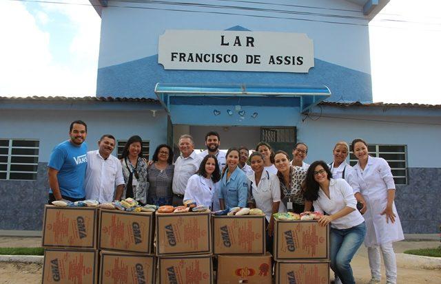 Lar Francisco de Assis recebe doações de alimentos do Unit