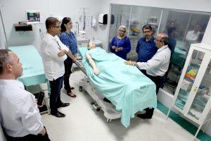 Gestores pernambucanos visitam Centro de Simulação Realística