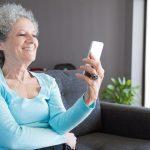 Acadêmicos da Unit/AL levam acolhimento online para idosos