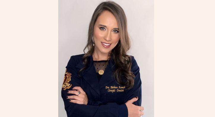 Bárbara Costa concluiu Odontologia na Unit