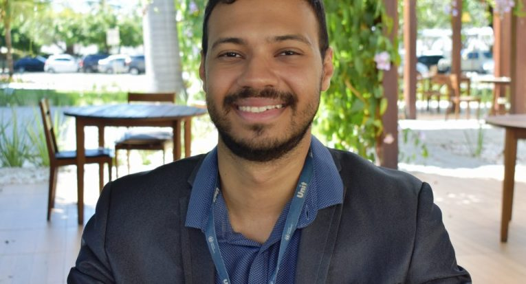 O professor Nelson Teodomiro, do curso de Direito da Unit Sergipe