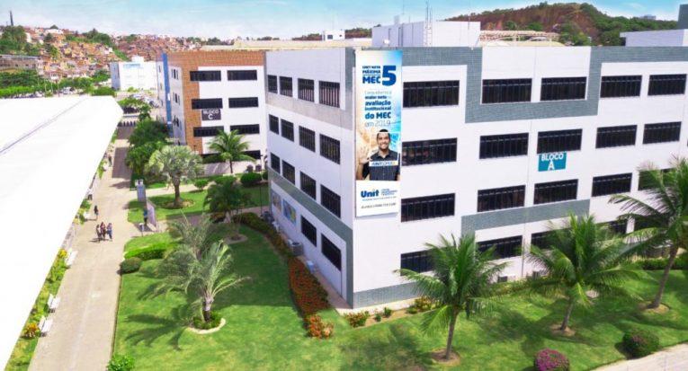 Campus-sede do Centro Universitário Tiradentes (Unit AL), em Maceió