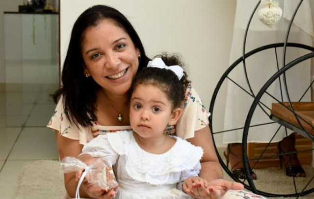 Júlia Santos e sua filha